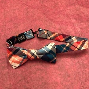 CHAPS Boys adjustable bow tie